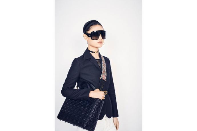 Optic 2000 Article Dior Lunettes Soleil Masque Photo En Pied