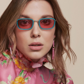 Millie Bobby Brown lance une collection de lunettes avec Vogue Eyewear