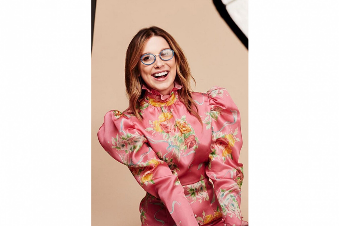 Millie Bobby Brown lance ses lunettes avec Vogue Eyewear